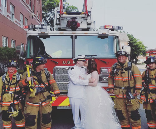Fire truck Newlyweds